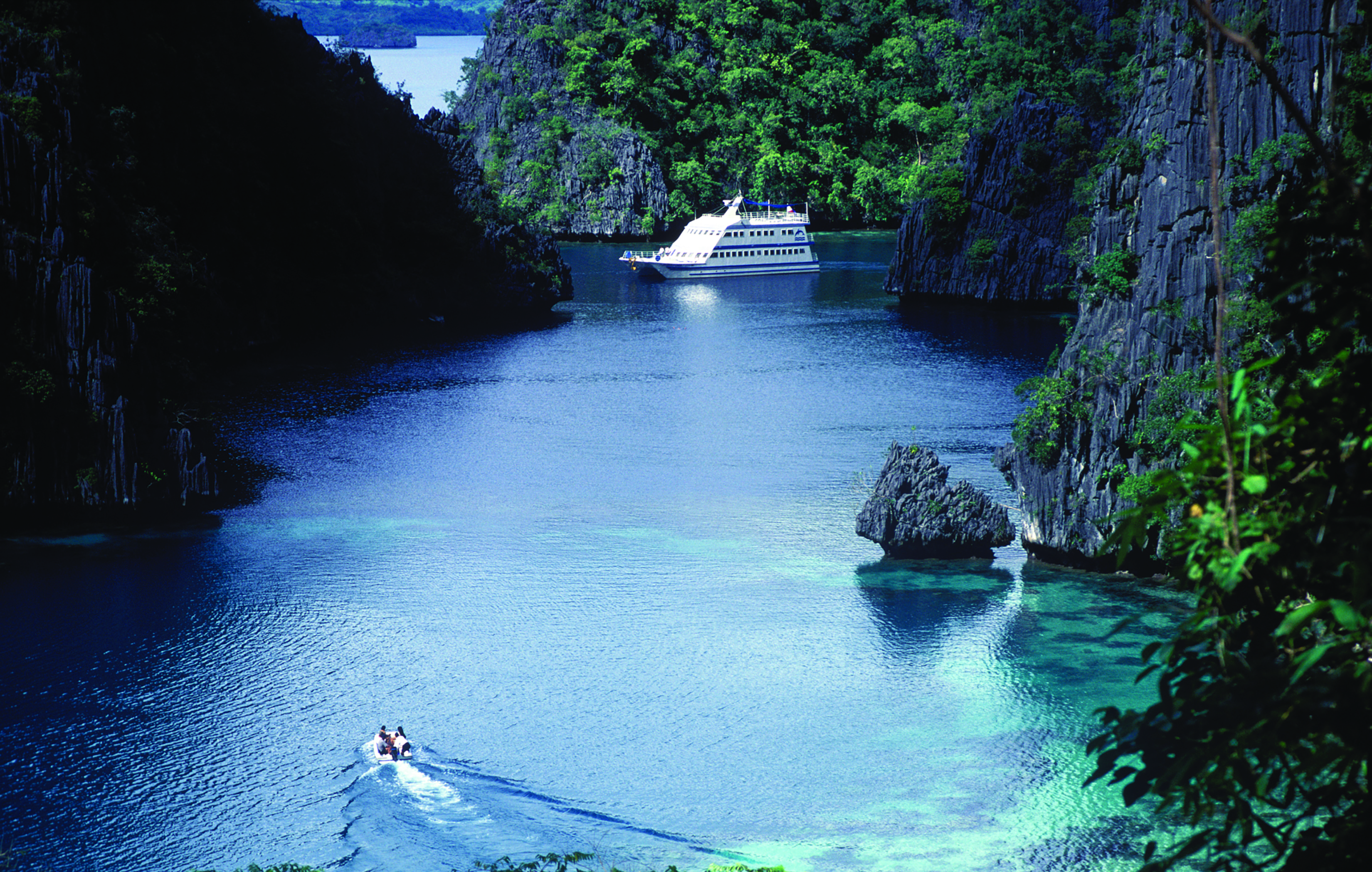 Allow the beauty of the Philippines to captivate you the Filipino way cover image