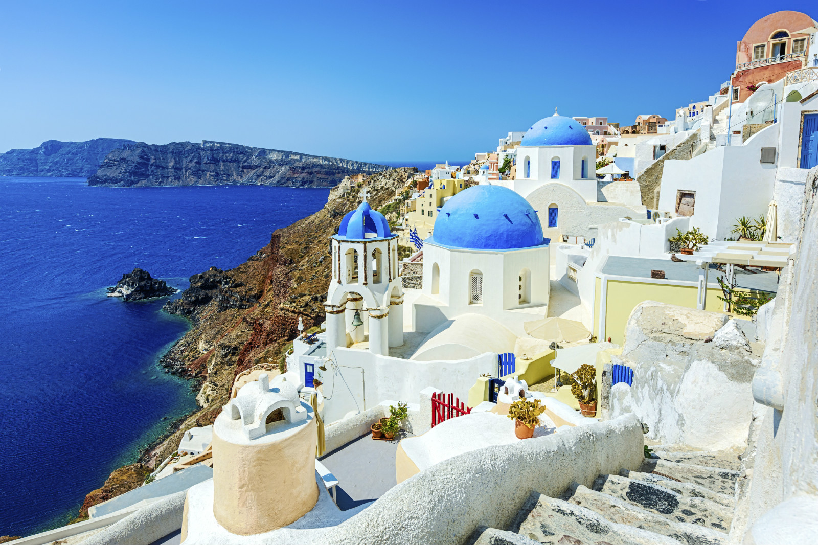 QATAR AIRWAYS ANNOUNCES NEW SEASONAL FLIGHTS TO SANTORINI AND DUBROVNIK IN 2020 news cover image